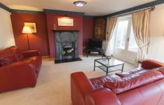 Danebury-Lodge-sitting-room-1-400x266